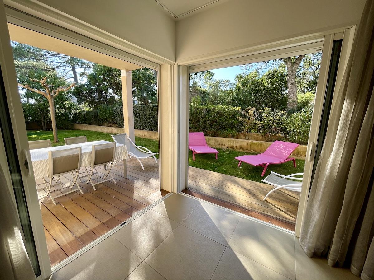 Location appartement côté plage résidence pinarello porto vecchio corse du sud proche plage 2 chambres 4 personnes luxe