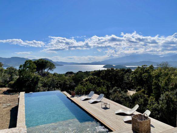 Villa Chiarisolo Domaine de Cala Rossa location villa luxe Porto-Vecchio Corse du sud plage privées piscine vue mer 6 chambres 12 personnes jardin 1