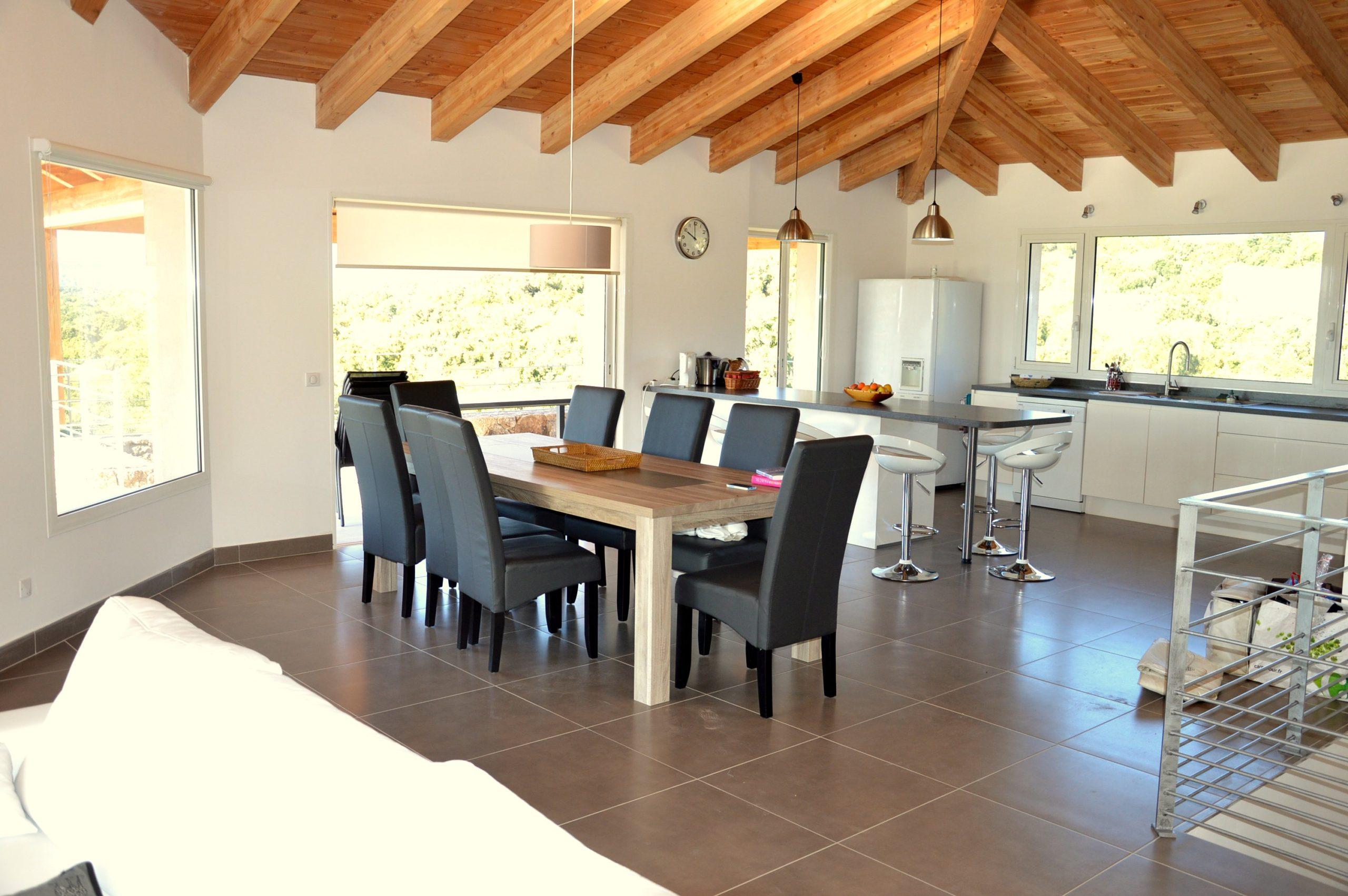 Location villa luxe Porto-Vecchio en Corse du sud 5 chambres piscine proche plage St Cyprien et Cala Rossa climatisation